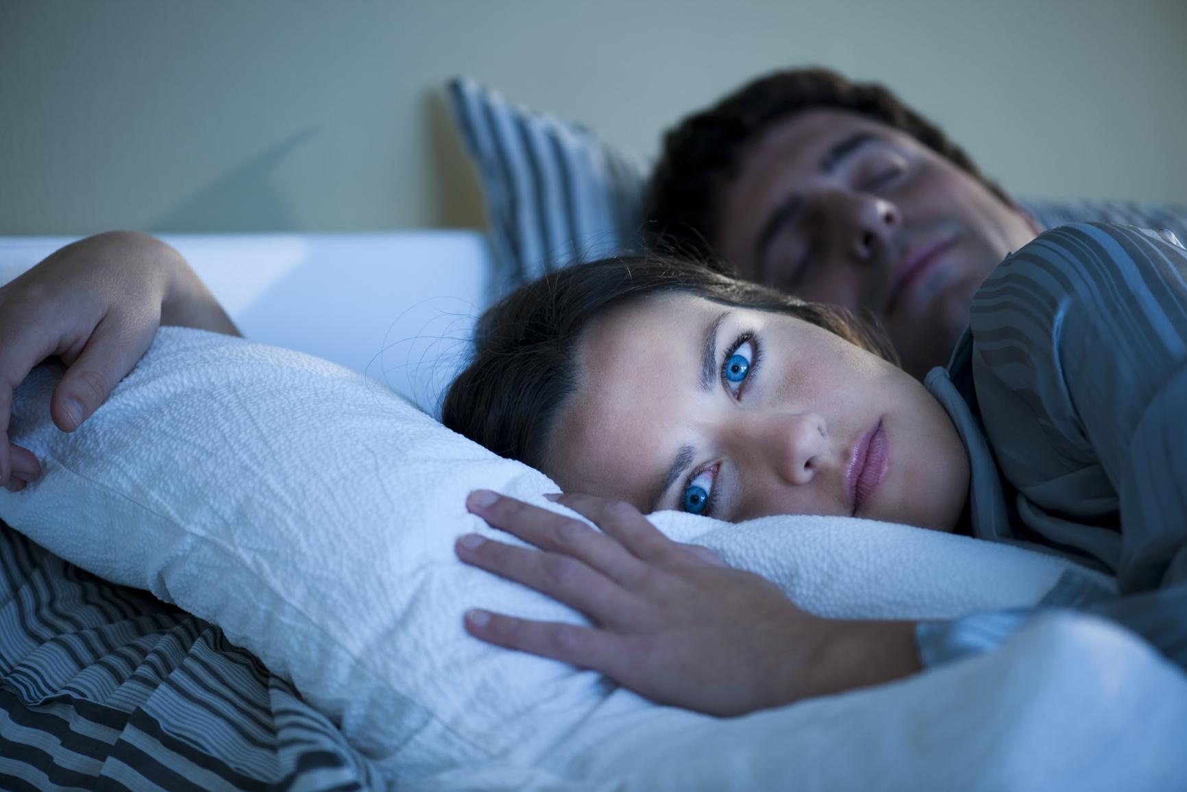 Ai probleme cu somnu? Iată 7 trucuri care te vor ajuta să scapi de problemă