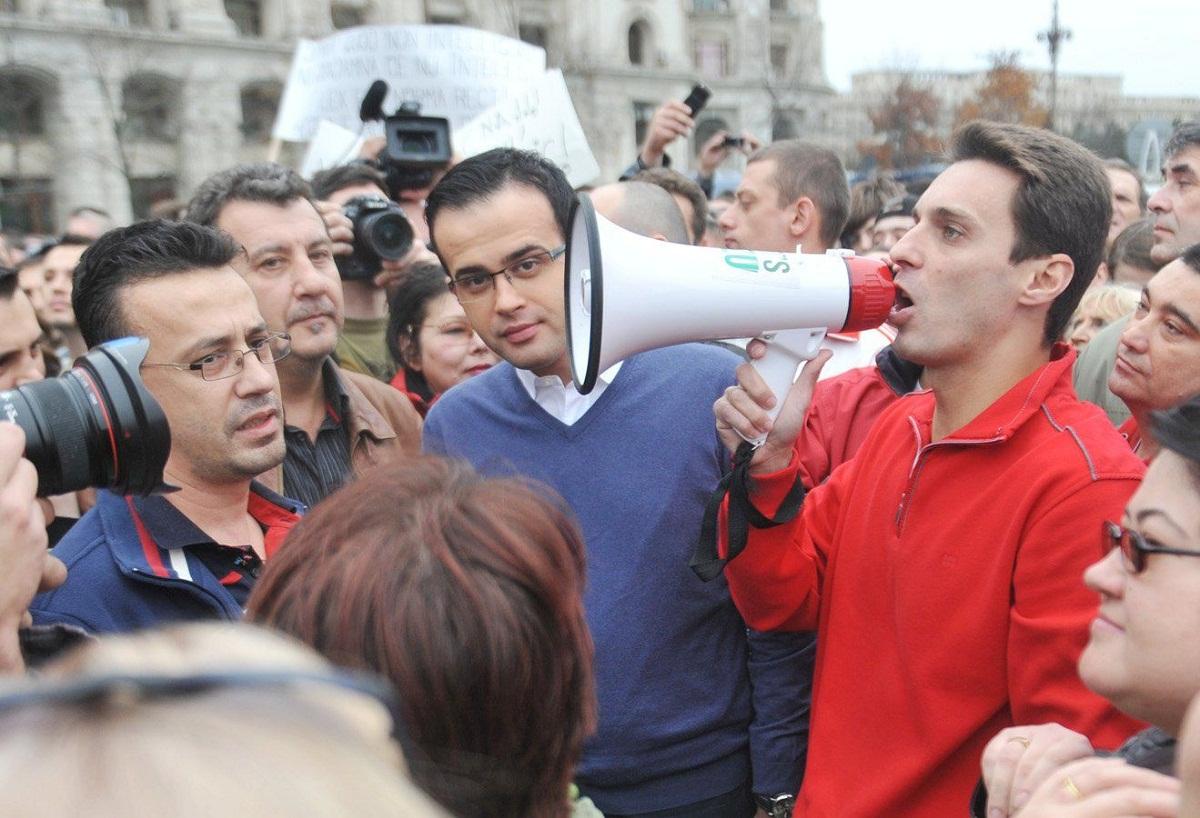 Vineri, Antena 3 a organizat un miting in Piata Constitutiei, dupa scandalul dintre trustul Intact si ANAF.