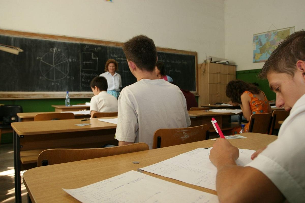 SIMULARE EVALUARE NATIONALA 2016. Subiecte Matematica. Elevii de clasa a opta au avut astazi proba la matematica.