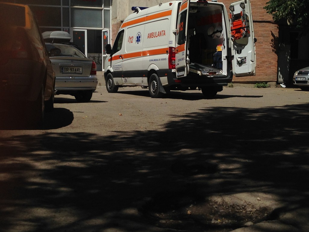 Mai multi medici si pacienti de la Spitalul de Pediatrie din Bacau au fost evacuati dupa ce s-a produs o scurgere de substante toxice.