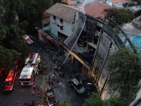 VIDEO : 7 morti in urma prabusirii unui avion privat langa Sao Paulo in Brazilia
