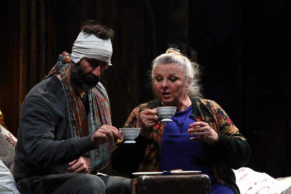 """"""" Cutia Pandorei """", in regia lui Felix Alexa, cu Mariana Mihut si Serban Pavlu va avea urmatoarele reprezentatii la Teatrul Bulandra."""