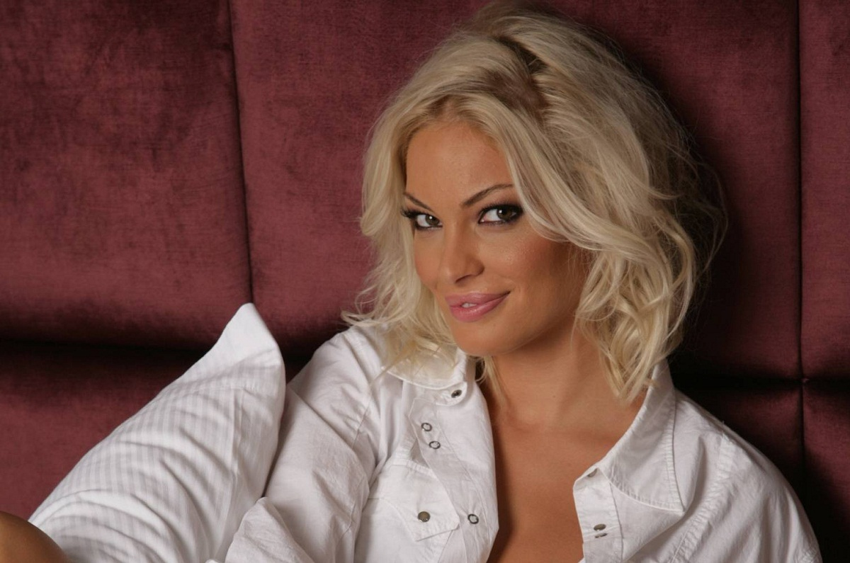 Valentina Pelinel a vorbit despre tatal copilului ei si despre cum decurge relatia dintre ea si Cristi Borcea.