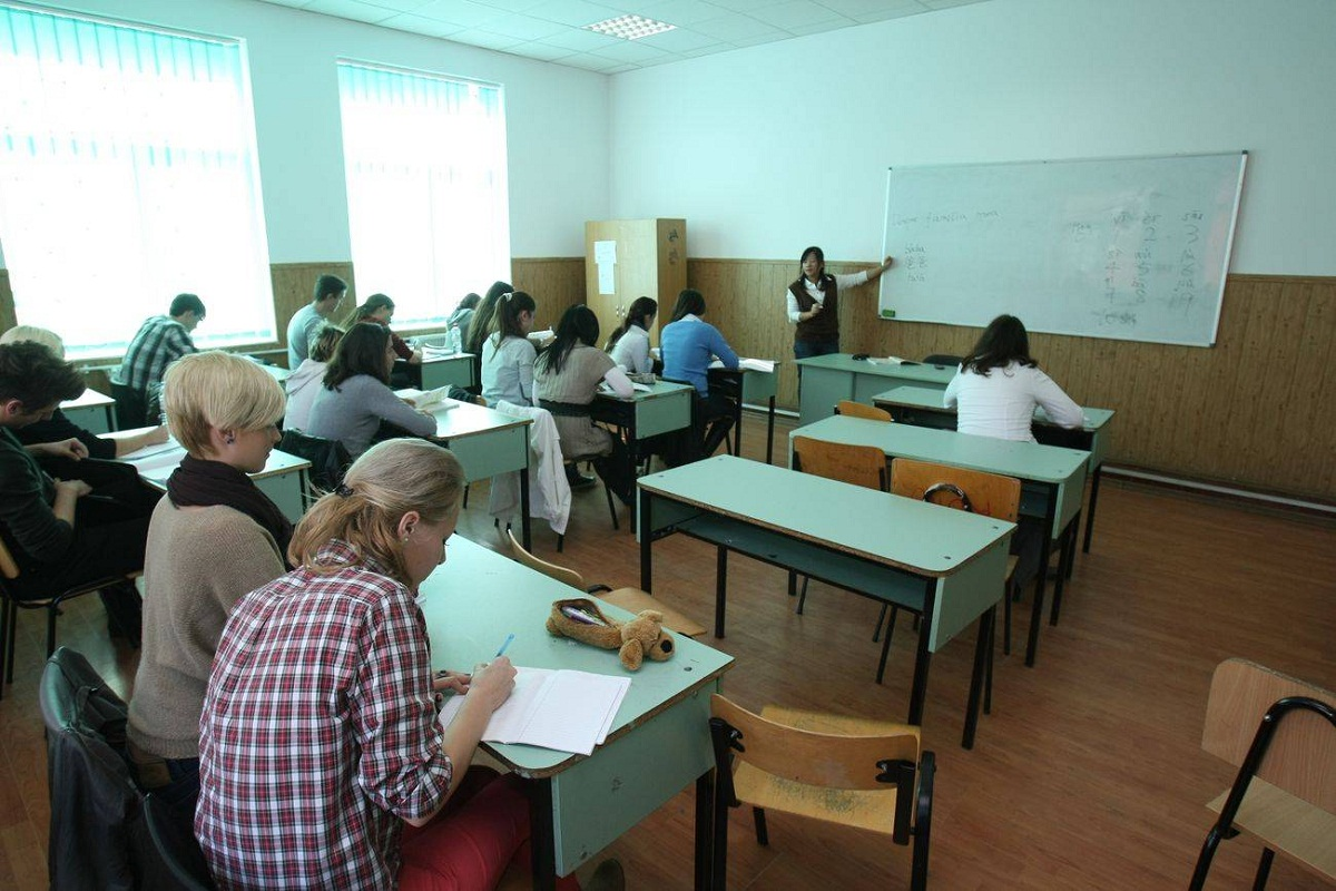 SUBIECTE SIMULARE BACALAUREAT 2016 ROMANA CLASA A XI A. SIMULARE BAC 2016. Luni,7 martie, elevii de clasa a XI a dau proba la limba si literatura romana.