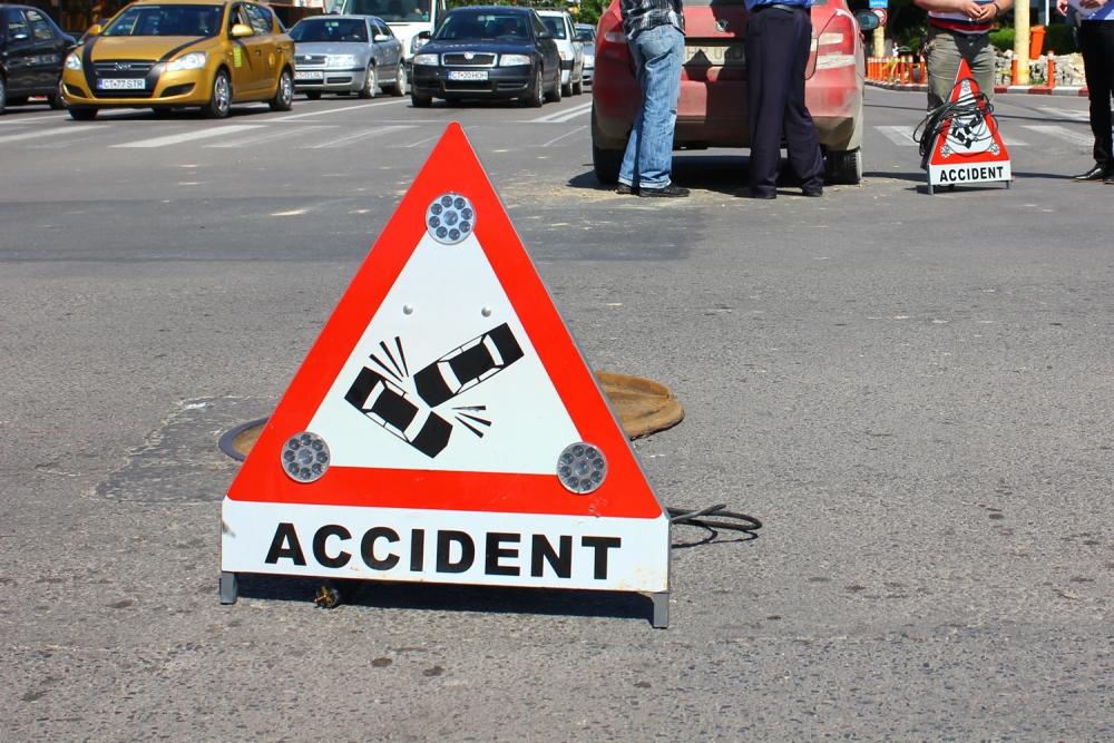 Un accident s-a produs vineri, 22 aprilie, pe DN1, in zona IKEA, pe sensul de iesire din Bucuresti, traficul fiind blocat.
