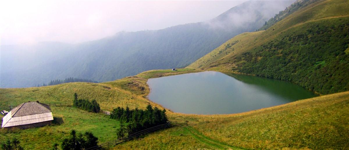 Romania este tara cu unele dintre cele mai frumoase locuri din lume, cu peisaje care iti taie rasuflarea si zone pline de mister.