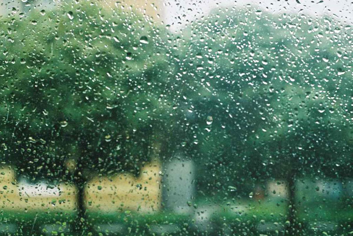 Cod galben de ploi pentru 24 si 25 mai. Vezi zonele avizate