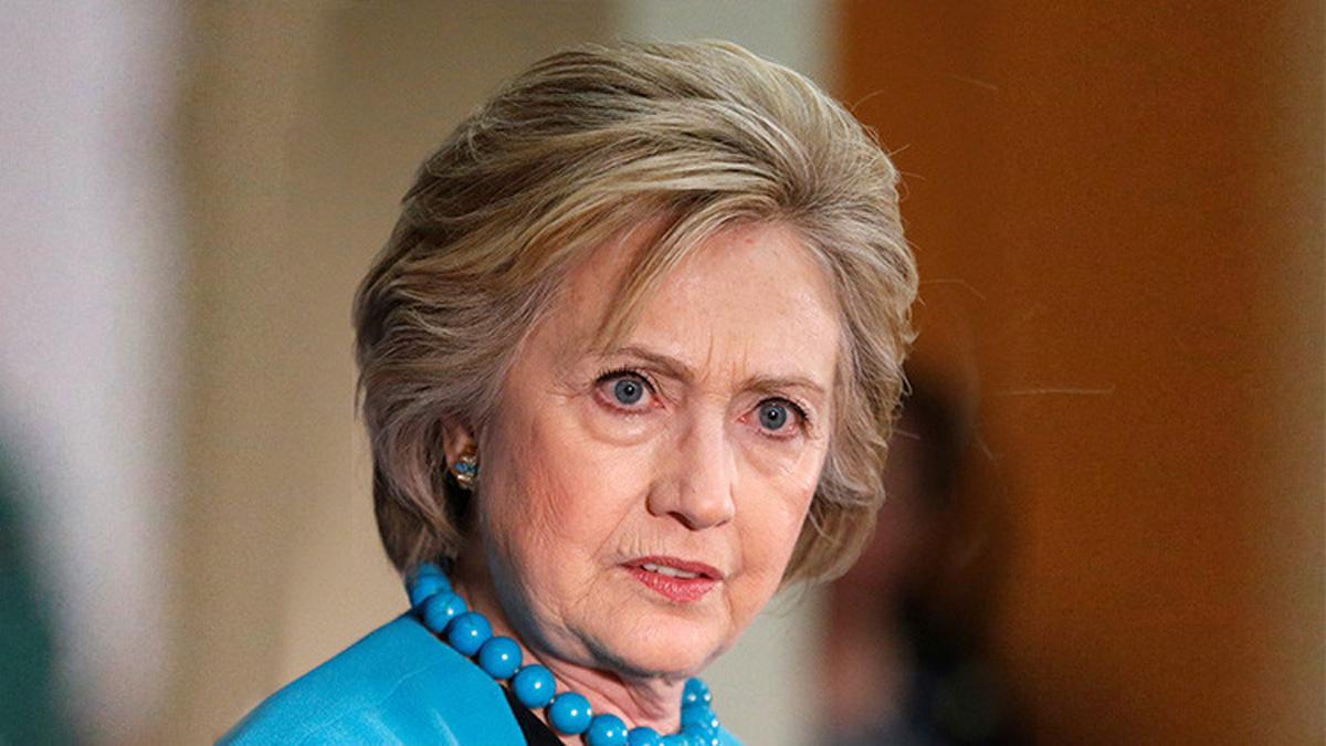 Sfarsitul lui Hillary Clinton? FBI o suspecteaza de asta!