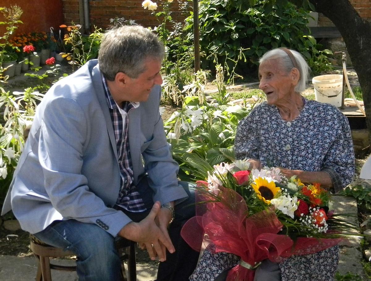 Margit Szemenyei, cea mai batrana femeie din Romania, s-a stins din viata la 108 ani, varsta pe care o implinise in august 2015.