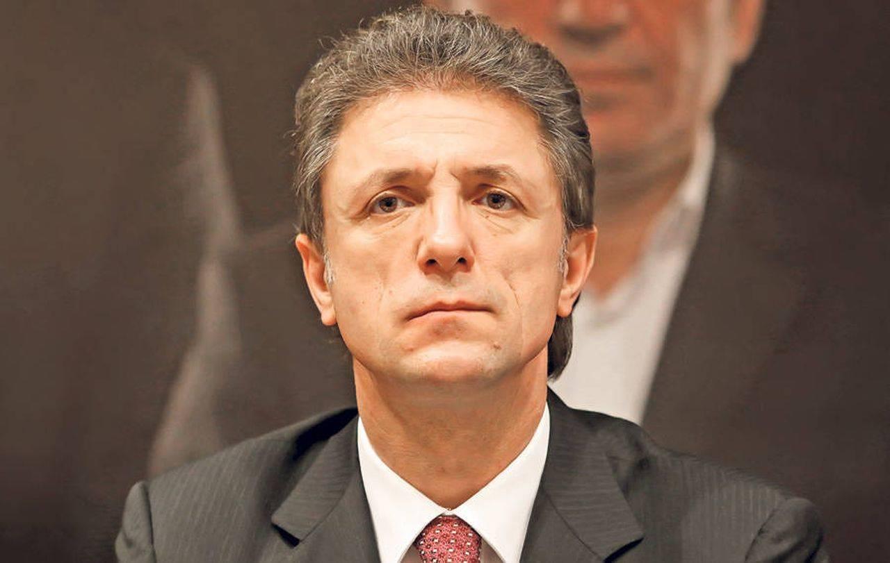 Gica Popescu s-a prezentat luni dimineata la Parchetul General pentru a fi audiat intr-un dosar de plagiat.
