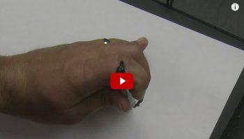 Cum deseneaza un barbat orb VIDEO