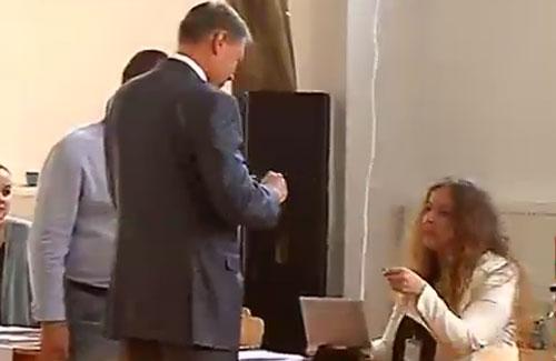ALEGERI-LOCALE-2016.-Klaus-Iohannis-a-votat