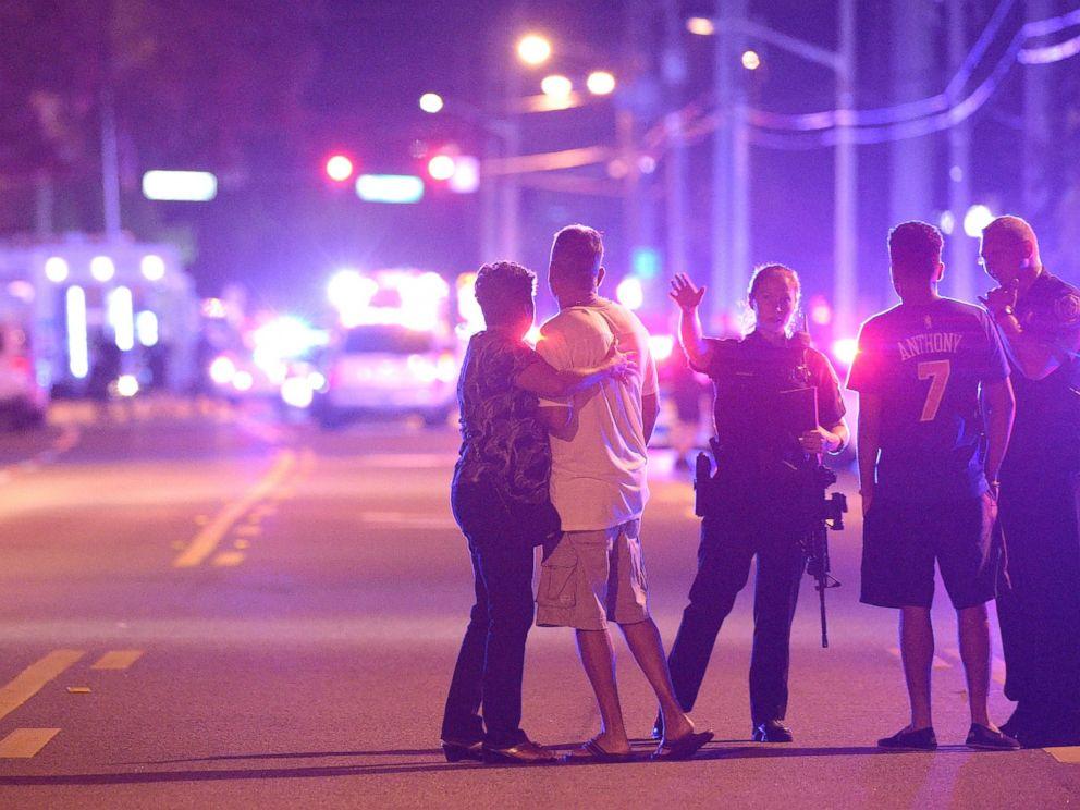 Atentat terorist intr-un club gay din Orlando 50 de morti si 53 de raniti-3