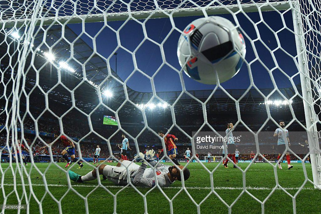 SCOR LA PAUZA 2-0 pentru SPANIA in meciul cu TURCIA