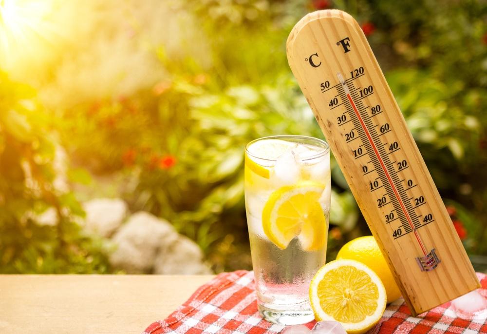 Hidratarea pe canicula si cele mai bune lichide pe care trebuie sa le consumi