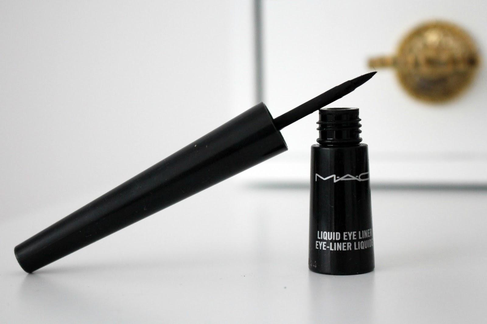 Tutorial video. Beauty tips in aplicarea eyeliner-ului lichid