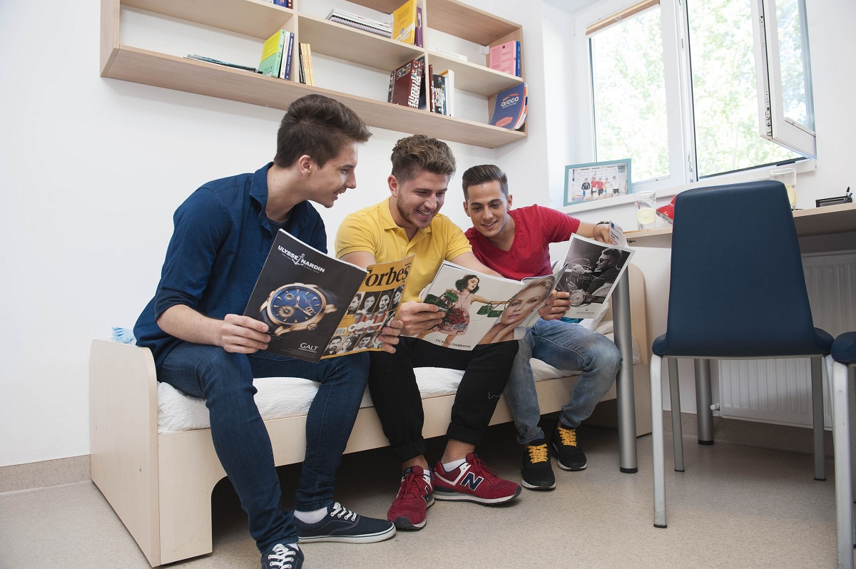 Locuri in caminele studentesti, in Bucuresti, in anul unversitar 2015-2016. Arcca pune la dispozitia studentilor trei campusuri.