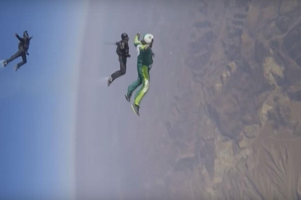VIDEO. A sarit de la o altitudine de 7 kilometri, fara parasuta! Pe ce a aterizat