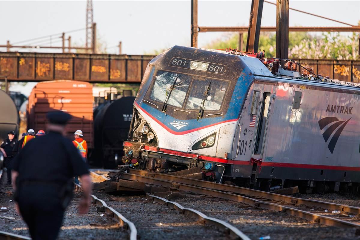 Accident de tren in Italia, marti, 12 iulie 2016. Minim 10 persoane si-au pierdut viata si alte zeci de persoane au fost ranite!
