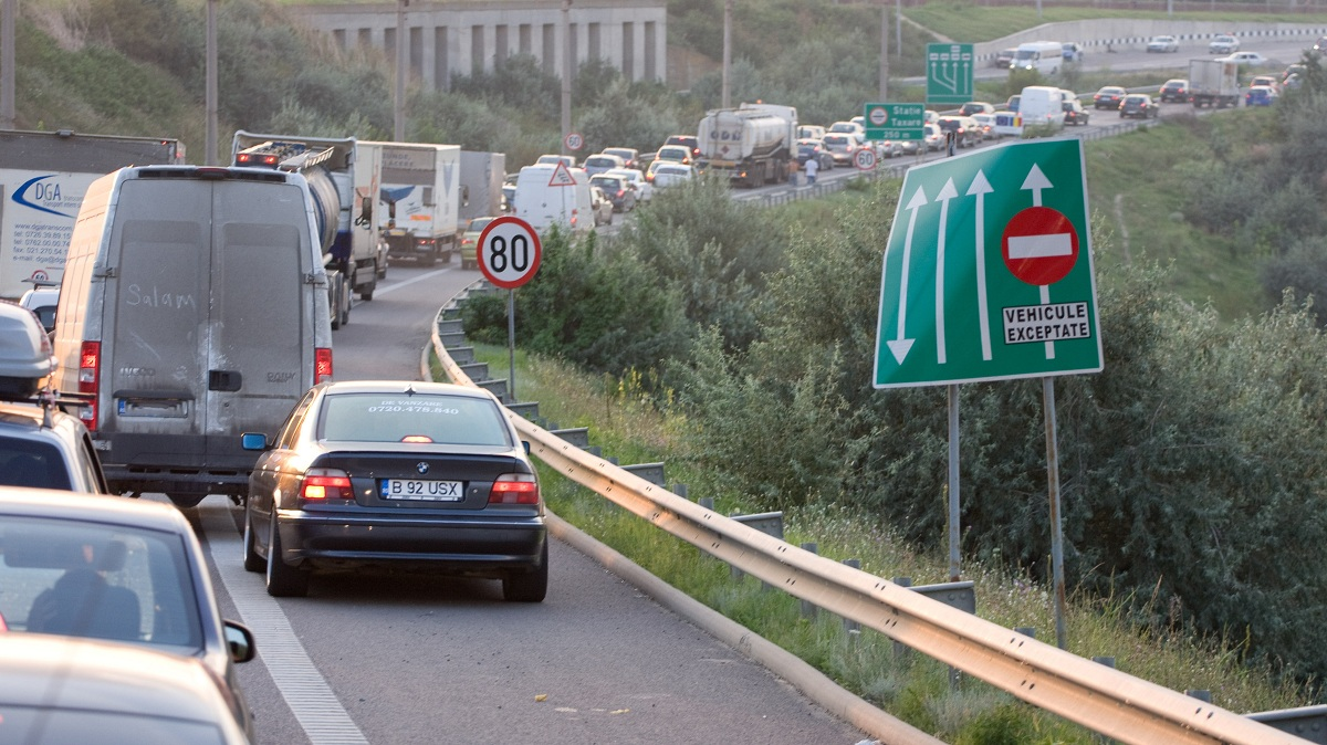 Un accident a avut loc sambata dimineata pe Autostrada Soarelui. Traficul se desfasoara cu dificultate in mai multe zone ale autostrazii.