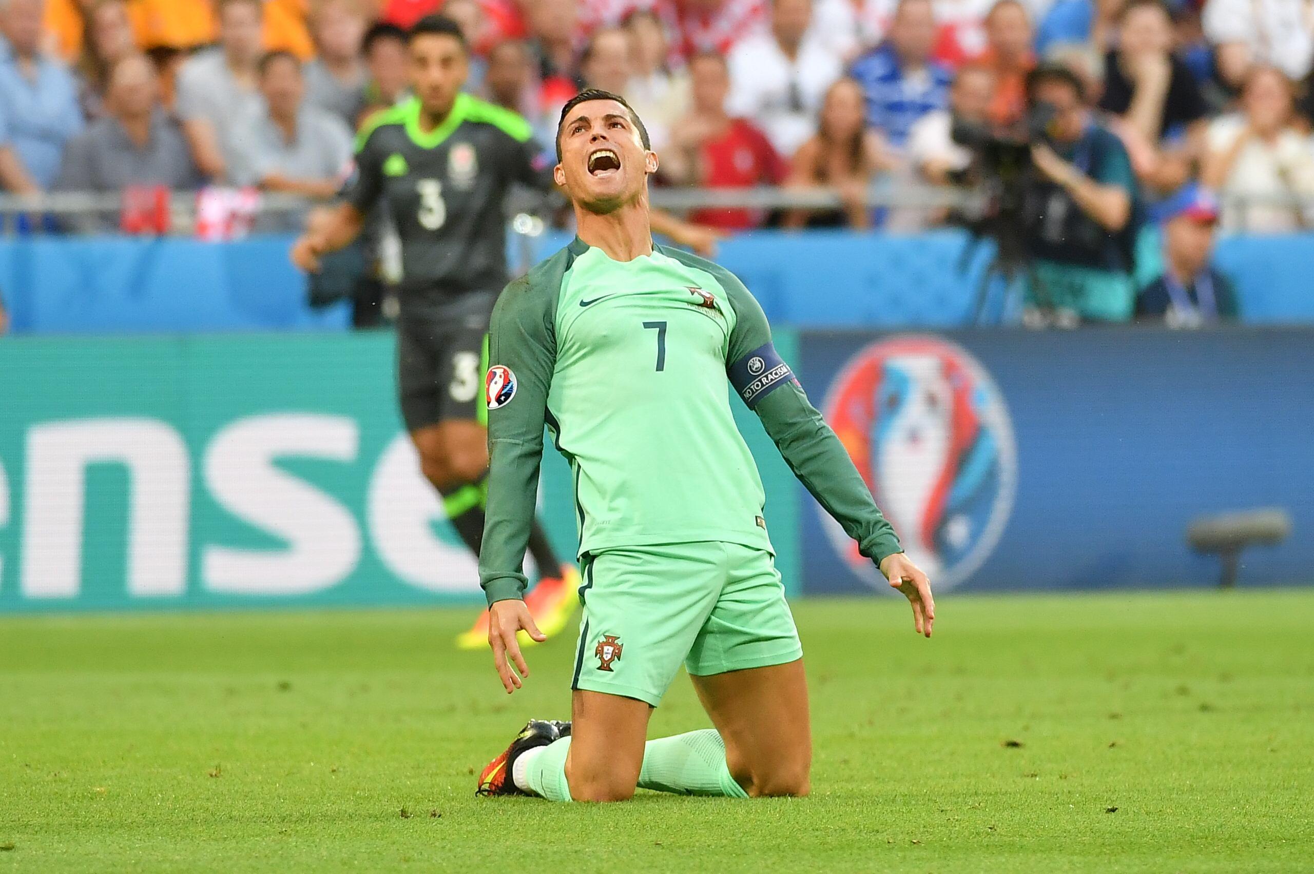 EURO 2016 Portugalia – Tara Galilor LIVE SCORE Video SCOR 2-0 SEMIFINALA