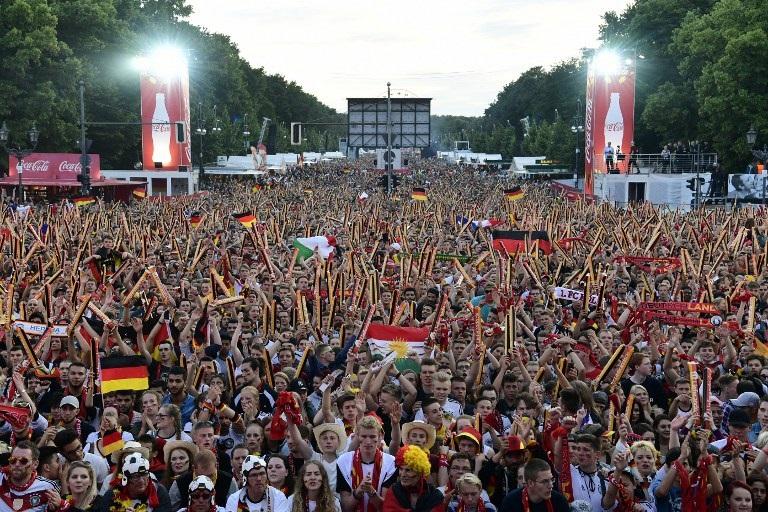 FBL-EURO-2016-FANZONE-GER-FRA