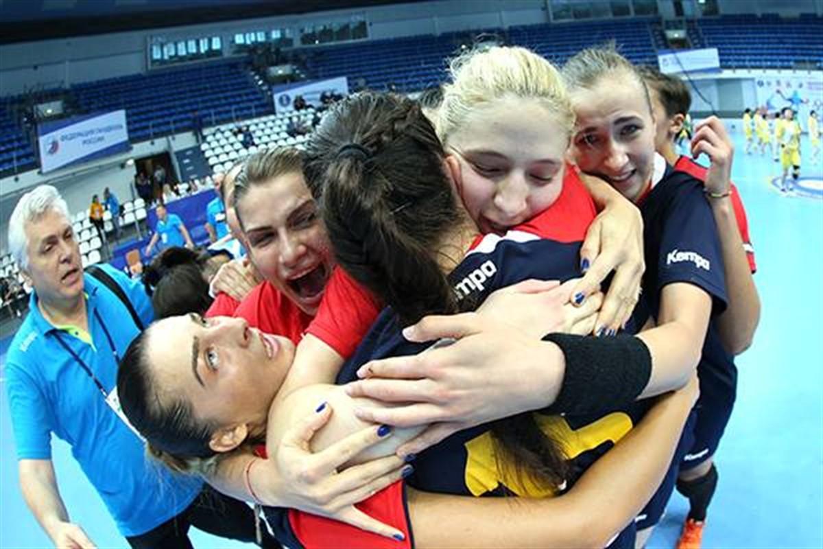 Echipa Romaniei de handbal feminin de tineret s-a calificat in semifinalele Campionatului Mondial Under 20 din Rusia, dupa ce a batut Croatia in sferturi.