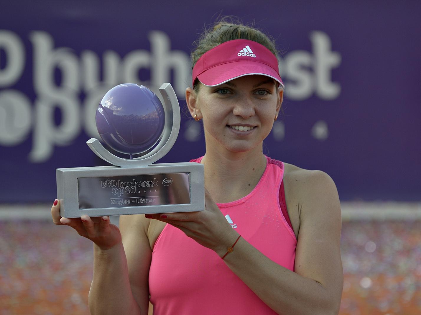Simona Halep a castigat turneul de tenis de la Bucuresti, dupa ce a invins-o pe Anastasija Sevastova, fara sa piarda un game.