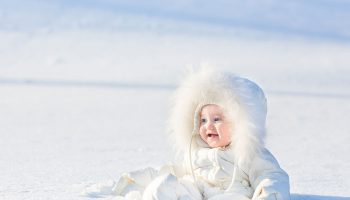 Combinezonul-pentru-bebe-–-o-piesa-vestimentara-extrem-de-utila-toamna-si-iarna