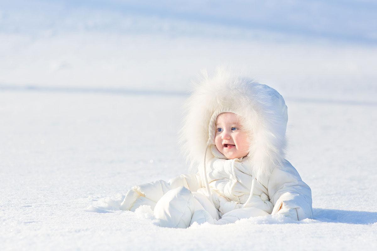 Combinezonul pentru bebe – o piesa vestimentara extrem de utila toamna si iarna