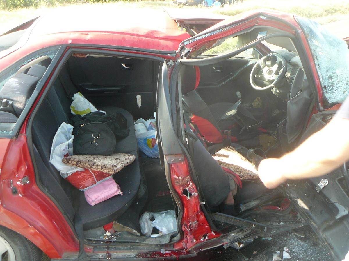 Accident pe Soseaua Chitilei, in Bucuresti, duminica noaptea. Trei oameni si-au pierdut viata si alte doua persoane au fost ranite.