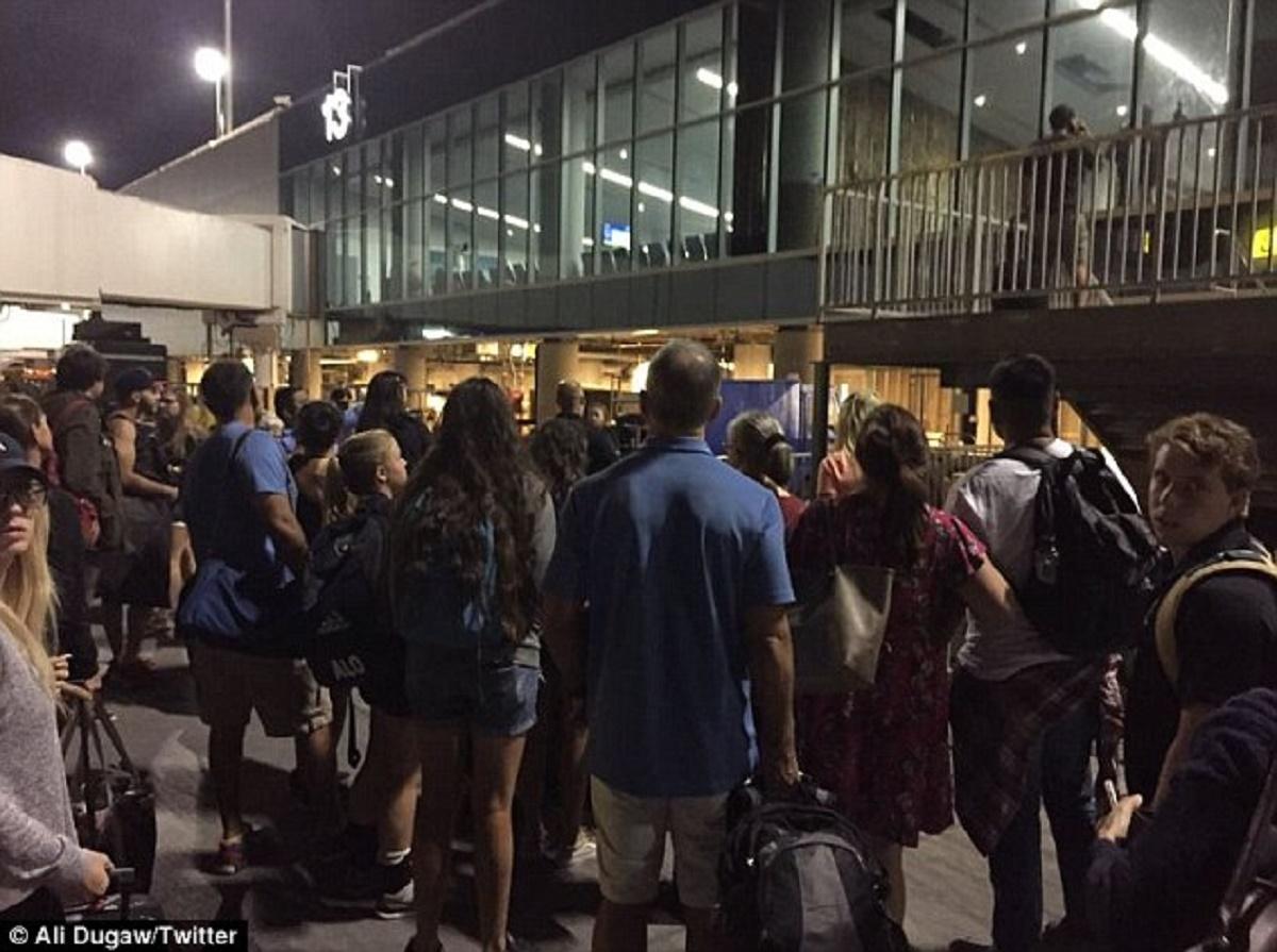 Aeroportul International Los Angeles a fost evacuat
