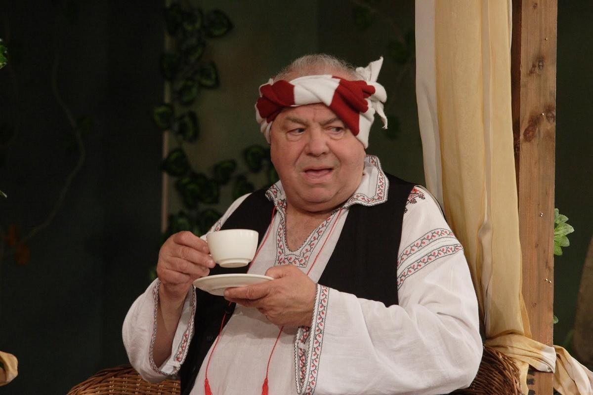 Marele actor Alexandru Arsinel a ajuns inca o data pe masa de operatie, la circa trei ani de cand a suferit un transplant de rinichi.