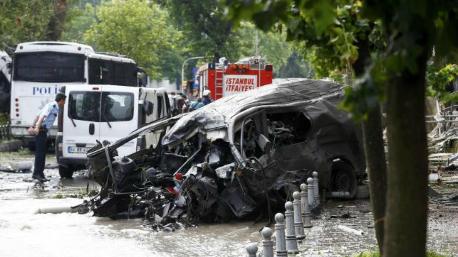 Un atac cu masina capcana comis in provincia Van din Turcia s-a soldat cu moartea a cel putin trei oameni si ranirea altor 40.