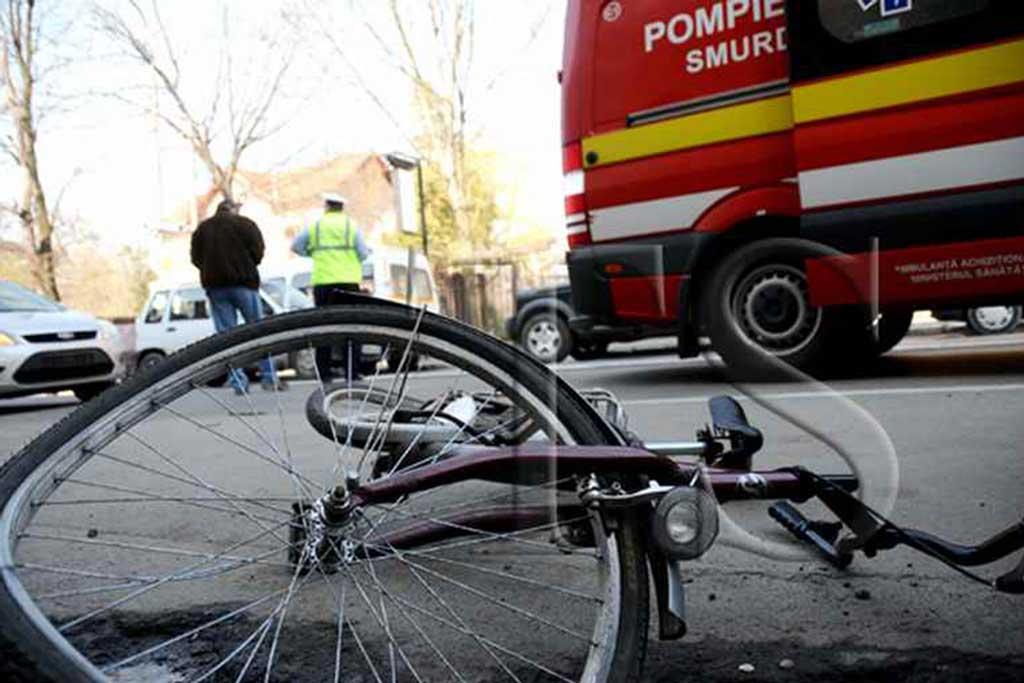 Biciclist lovit de tren, duminica dimineata, la Cernica, in judetul Ilfov. Barbatul nu a mai putut fi salvat de la moarte.