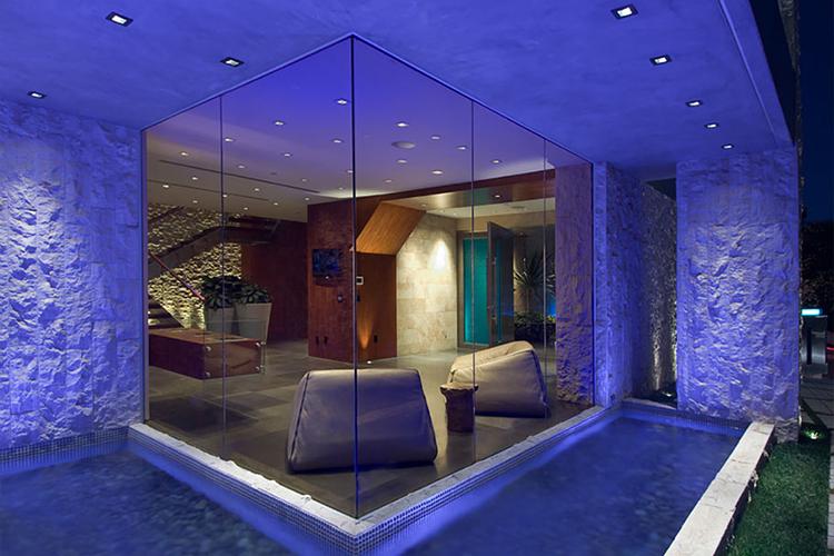 Cum arata casa lui Bill Gates, cel mai bogat om din lume