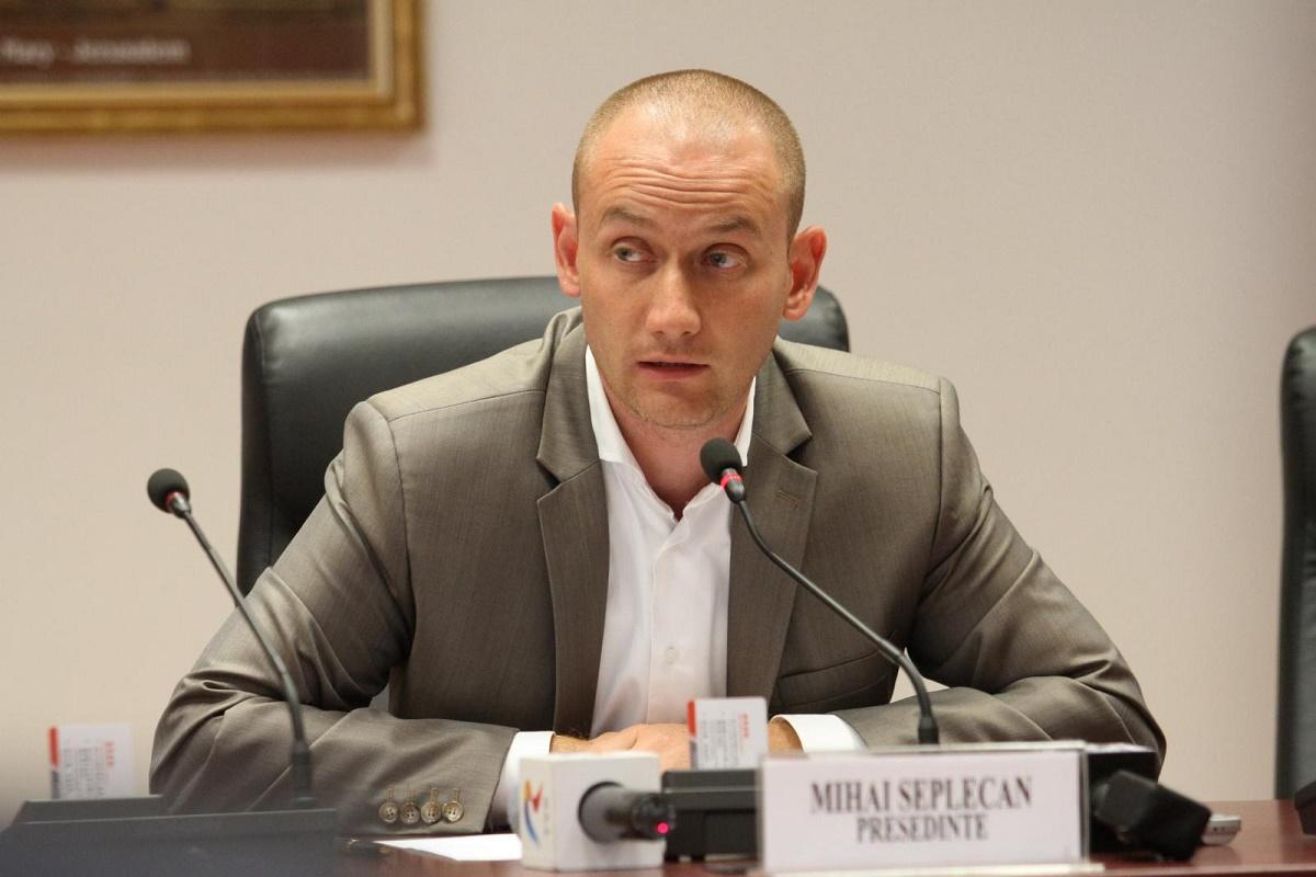 Mihai Seplecan, fostul sef al CJ Cluj, a scris pe contul sau de Facebook ca tinerii de la Untold merita soarta celor din Colectiv.