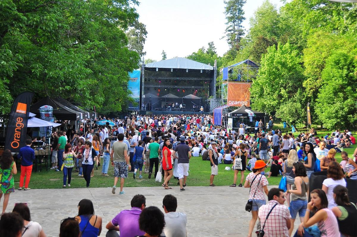Program Summer Well 2016. Cea de-a sasea editie a festivalului de la Buftea isi deschide portile sambata. Vezi ce artisti vor canta in cele doua zile.