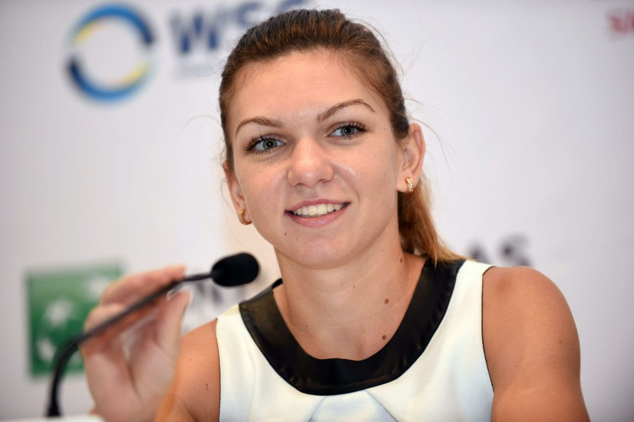 Simona Halep a castigat finala probei de simplu de la turneul de tenis de la Montreal (Canada), dupa ce a invins-o in finala pe Madison Keys.