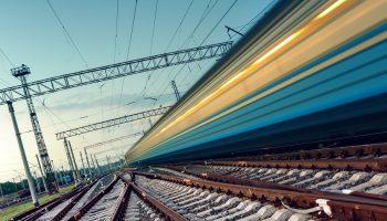 Circulatia feroviara afectata de ploi. Trenurile au intarzieri de zeci de minute