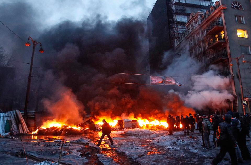 Ambasada Rusiei de la Kiev a fost atacată cu petarde înainte de alegerile legislative