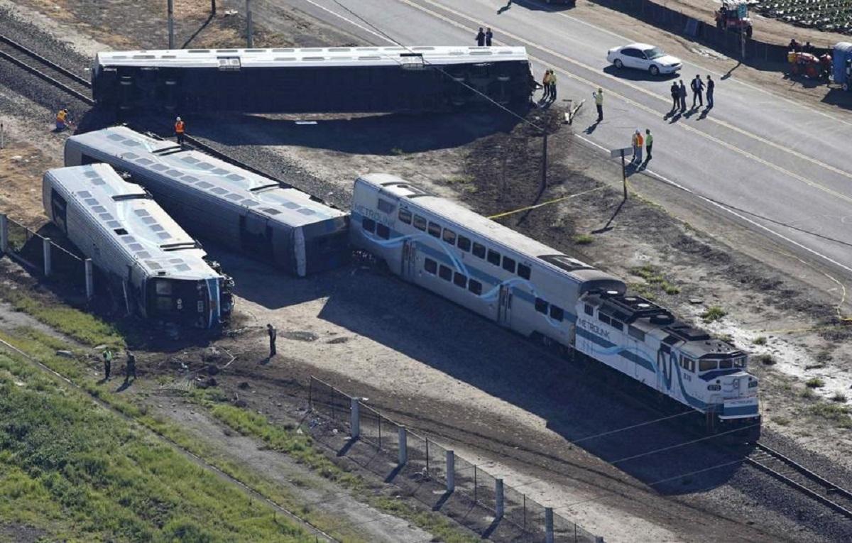Accident feroviar în SUA - 3 morţi, 100 de răniţi