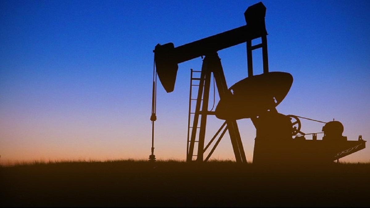 Arabia Saudită propune reducerea producţiei de petrol cu 500.000 de barili pe zi