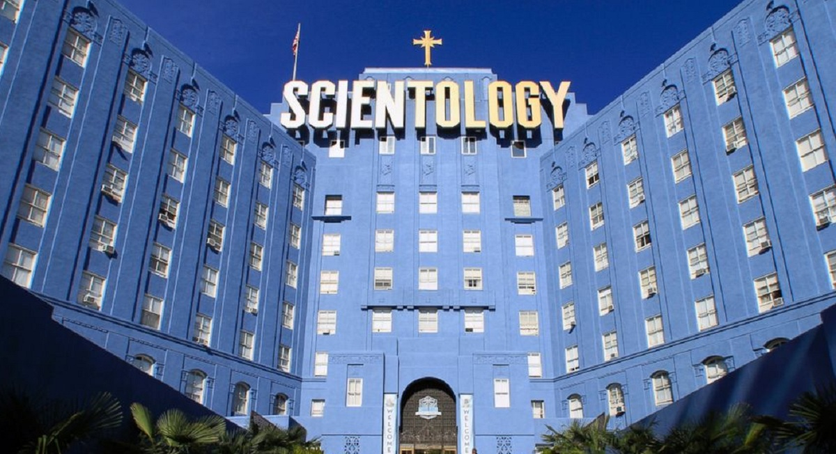 Biserica Scientologica din SUA, relationata cu traficul de droguri si proxenetismul
