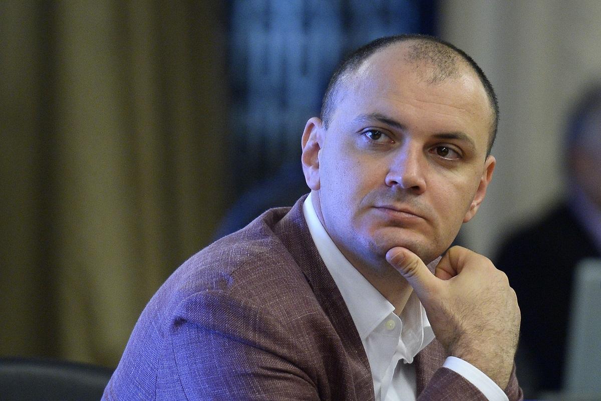 """Sebastian Ghiţă, despre protestatarii anti-Oprea: """"Erau dotaţi cu sisteme de recepţie"""""""