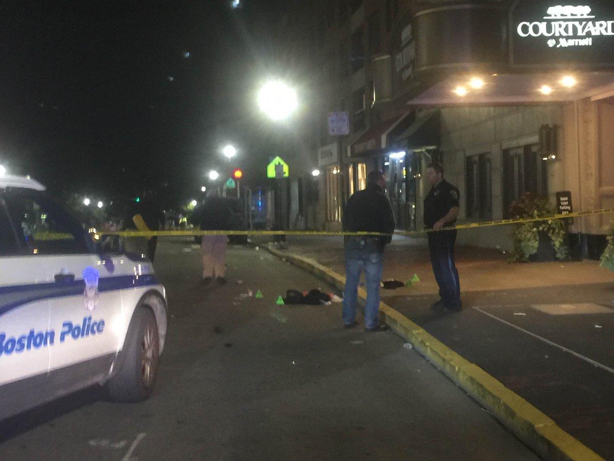 ULTIMA ORĂ. 6 persoane au fost înjunghiate în campusul Emerson College din Boston