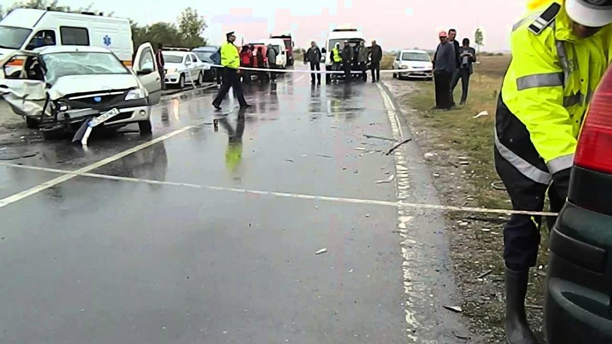 Un accident rutier s-a produs sambata dimineata pe DN 2, in localitatea Posta Calnau din judetul Buzau. O persoana a fost ranita.
