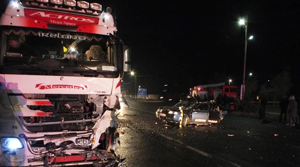 Un accident grav, soldat cu moartea a doi oameni a avut loc in judetul Bistrita - Nasaud, pe DN17, intre localitatile Sintereag si Beclean.