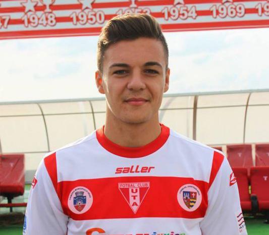 UTA Bătrâna Doamnă a învins Şoimii Pâncota, scor 6-0, în Liga a II-a. Adrian Petre a marcat patru goluri