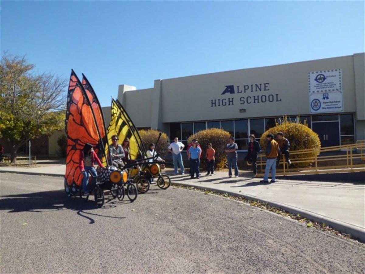 Un atac armat a avut loc la un liceu din Texas, Brewster County.